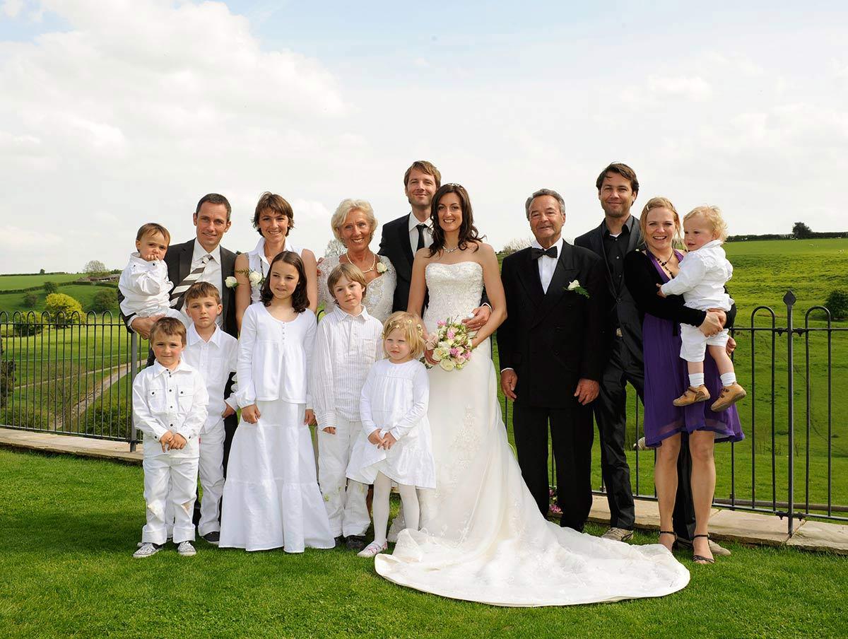 Honeylight Hochzeitsfotograf: Gruppenbild Hochzeitsgesellschaft