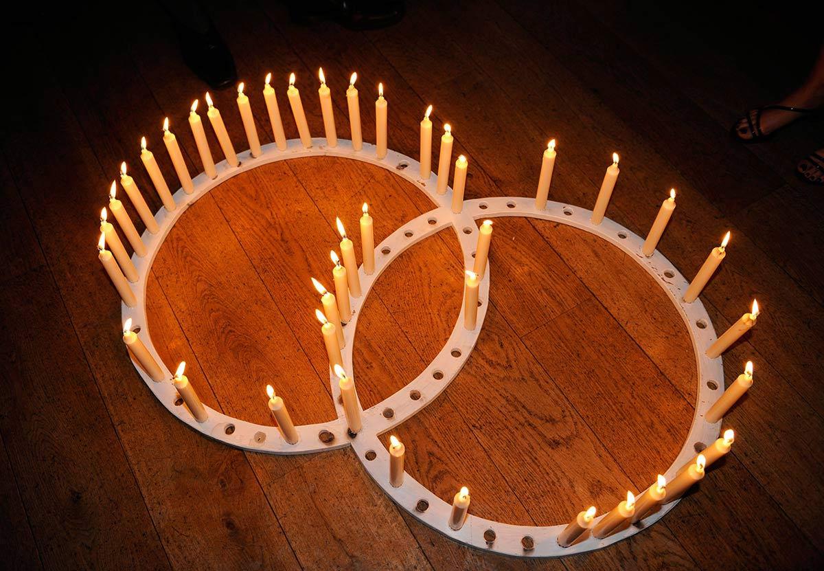 Honeylight Hochzeitsfotograf: Kerzenständer auf Hochzeit