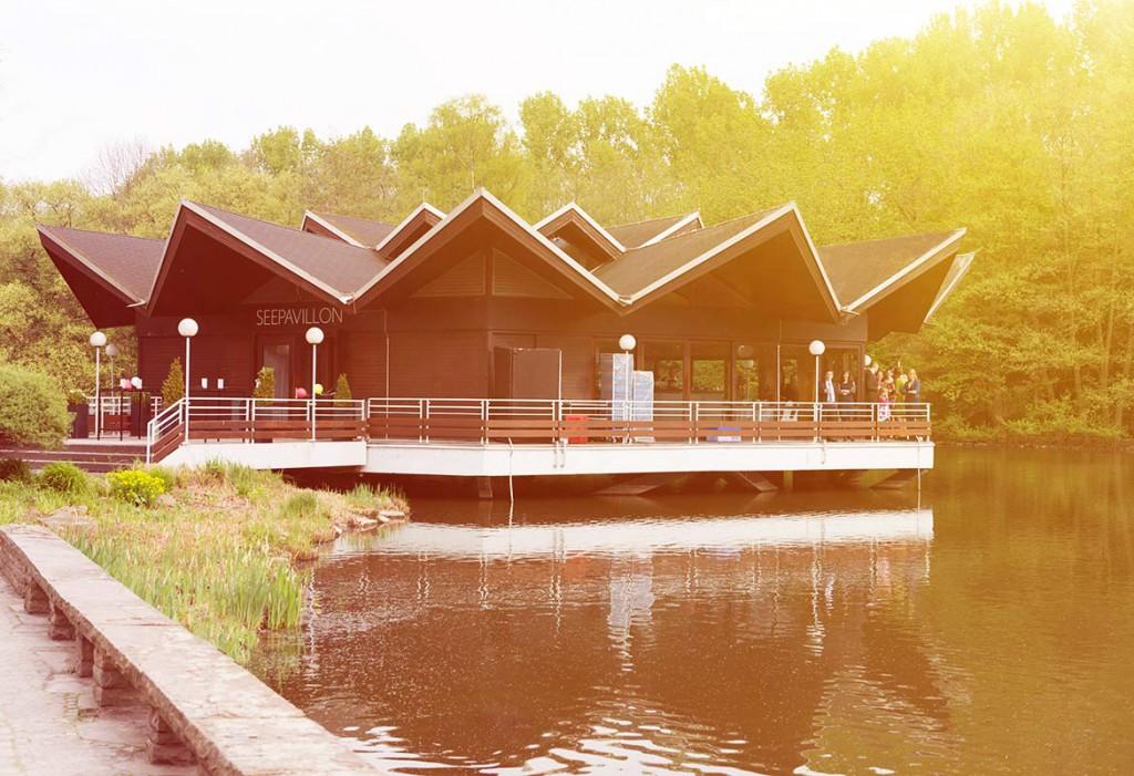 Honeylight Hochzeitsfotografie: Seepavilion im Dortmunder WestfalenparkDortmunde Hochzeitslocation