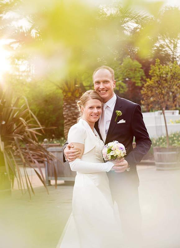 HoneHochzeitspaar im Dortmunder Westfalenparkylight Hochzeitsfotografie: Brautpaar im Dortmunder Westfalenpark Hochzeitslocation