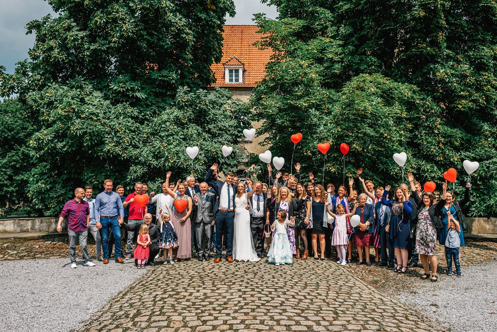 Hochzeitfotografie Gruppenbild der Hochzeitsgesellschaft